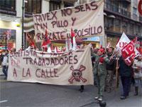 Más de un millar de personas demandan en Valencia la salvación de la empresa textil Tavex