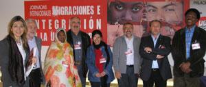 Rafael Recuenco junto a los representantes de los trabajadores que particparán el estas jornadas